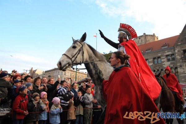 Święty Marcin na koniu...  Foto: