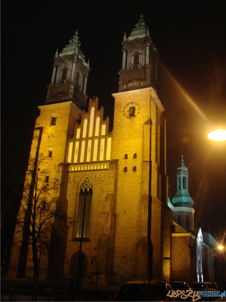 katedra oswietlona  Foto: lepszyPOZNAN.pl / ag