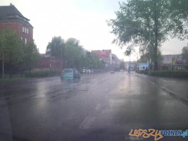 Zalane deszczem ulice miasta - 2010.05.22  Foto: lepszyPOZNAN.pl - archiwum