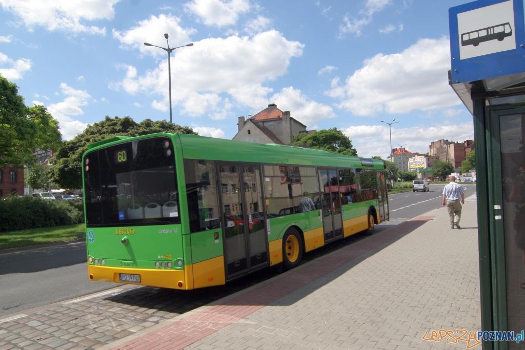 Solaris Urbino 12 - pierwsza trasa na linii 60 - 29.07.2010 r.  Foto: Paweł Rychter