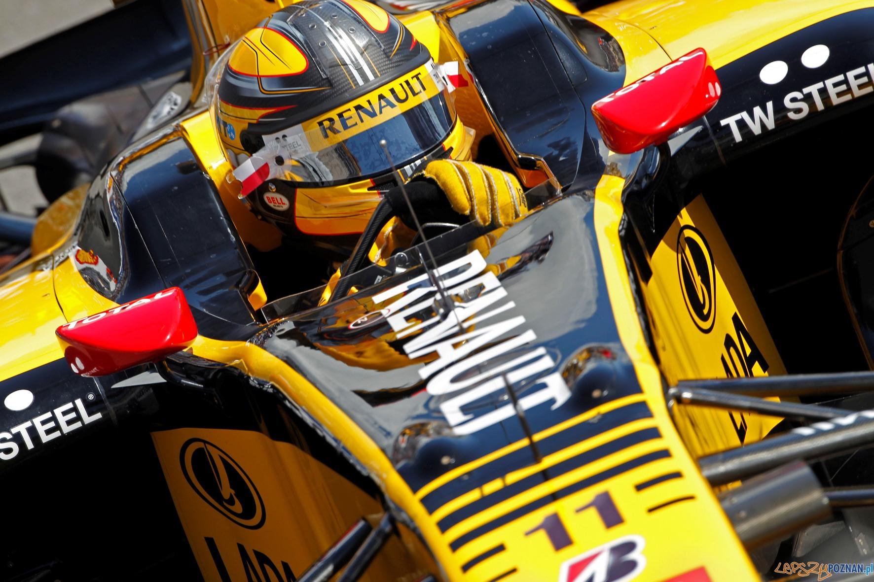 Robert Kubica, bolid Renault F1 Team  Foto: Renault Polska