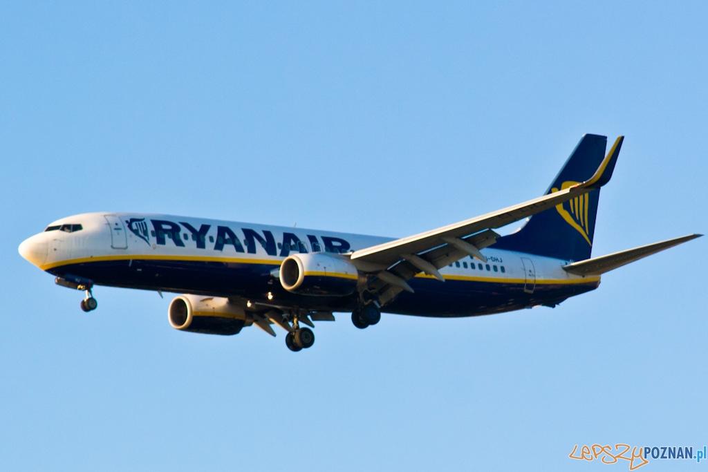 Samolot Ryanair ladowanie w Poznaniu  Foto: lepszyPOZNAN.pl / Piotr Rychter