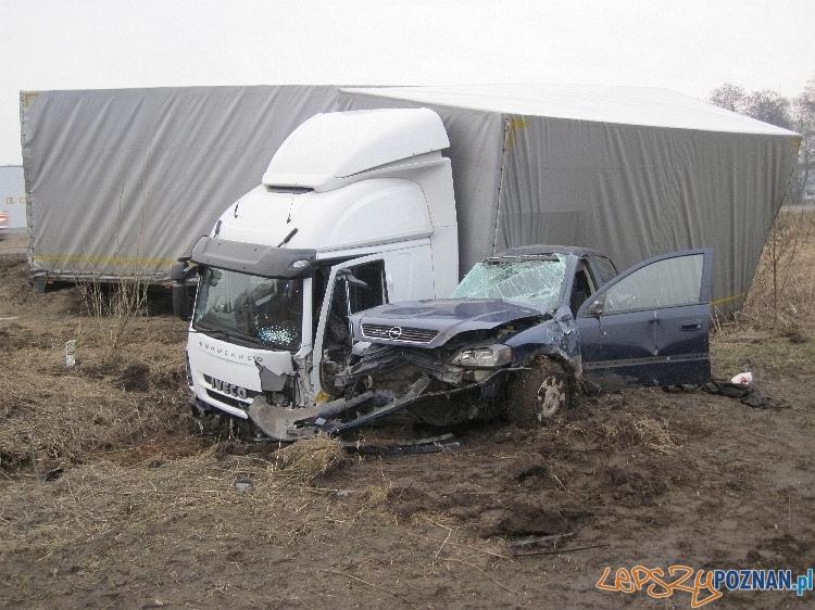 Wypadek w Gądkach  Foto: Adrian Fiszer