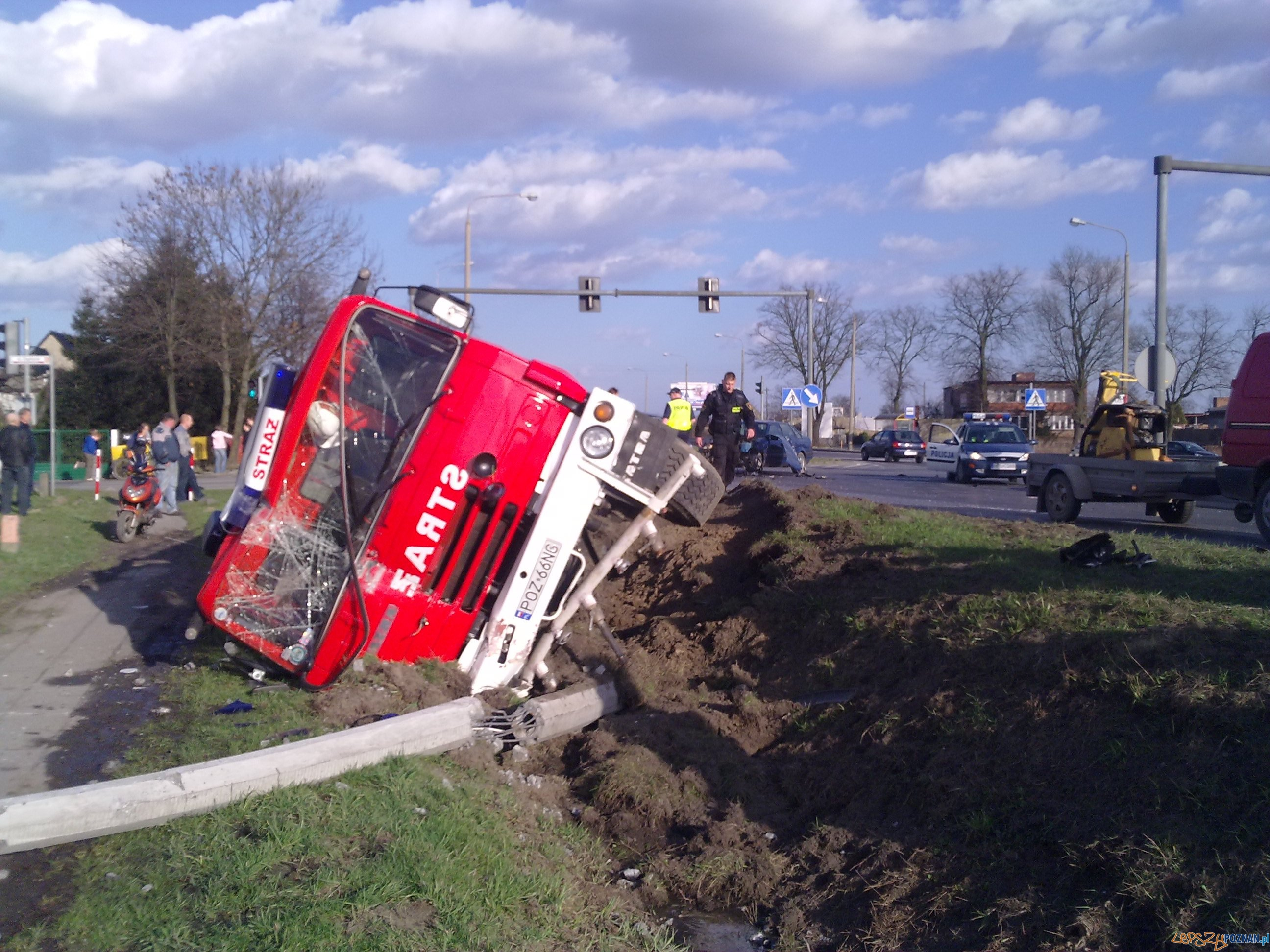 Wypadek w Paczkowie  Foto: KM PSP w Poznaniu