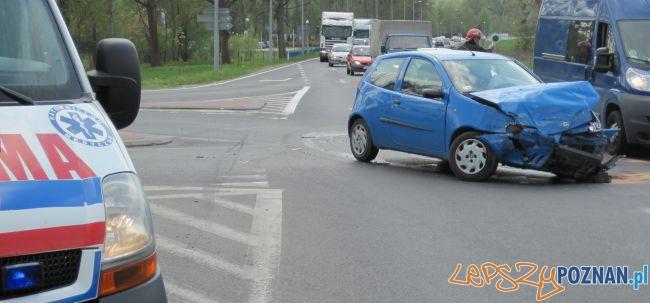 wypadek w Kórniku  Foto: KMP PSP