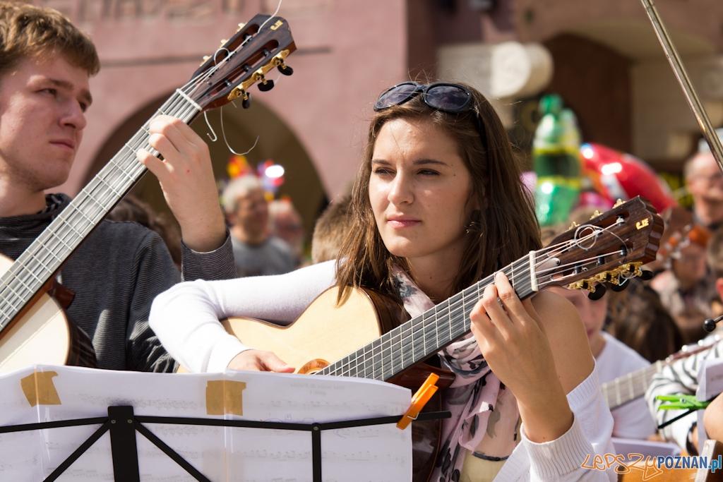 Happening Gitarowy - Stary Rynek 28.08.2011 r.  Foto: lepszyPOZNAN.pl / Piotr Rychter