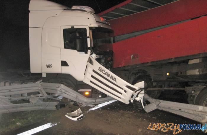 Zmiażdżone ciężarówki na A2  Foto: KM PSP w Poznaniu