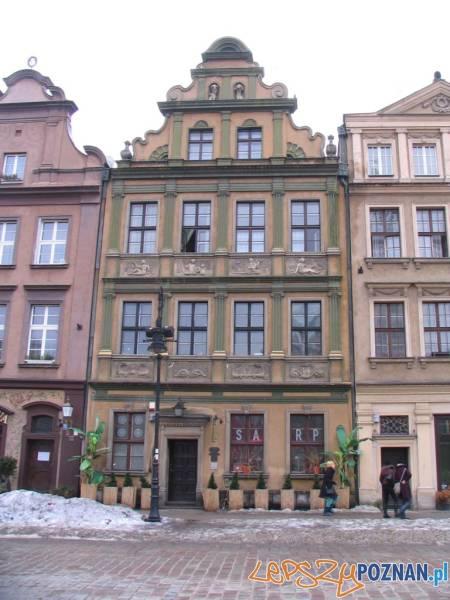 Stary Rynek 56 - Kamienica Złocista - SARP - przed remontem - 01 small  Foto: IDP