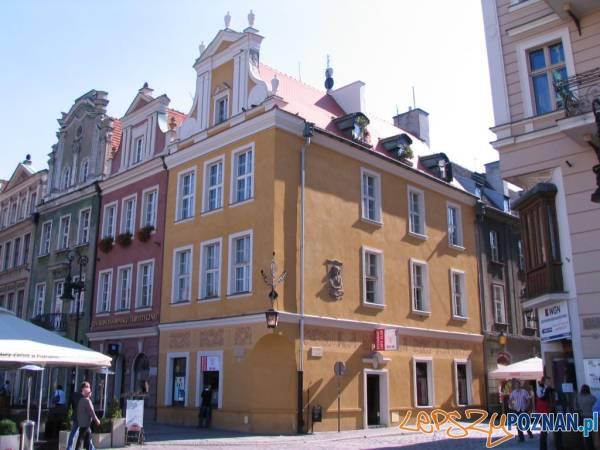 Stary Rynek 60 (róg Wrocławska) - po remoncie - 01 small  Foto: IDP
