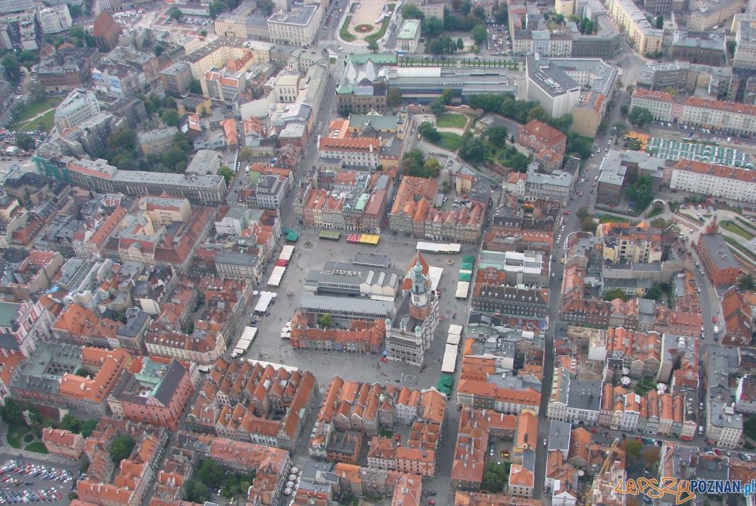 Stary Rynek z lotu ptaka  Foto: lepszyPOZNAN.pl / ag
