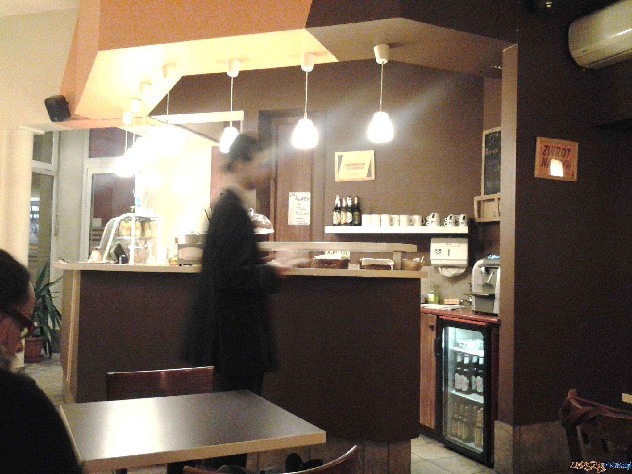 Pyra Bar - tutaj zamawiasz, tutaj płacisz...  Foto: lepszyPOZNAN.pl / gsm