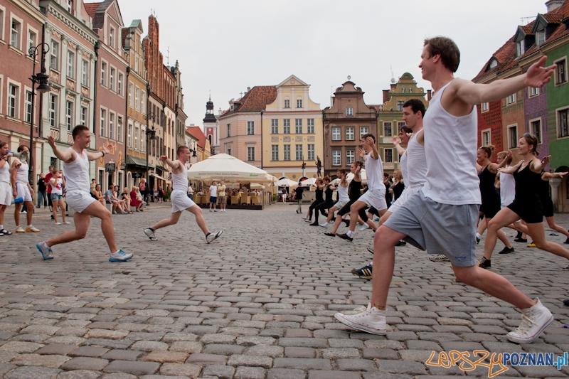 Ćwiczenia kształtujące AWFu pod pręgierzem - Poznań 23.05.2012 r.  Foto: LepszyPOZNAN.pl / Paweł Rychter