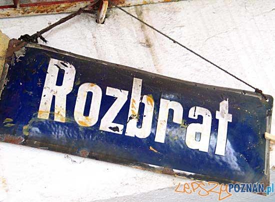 Rozbrat_szyld  Foto:
