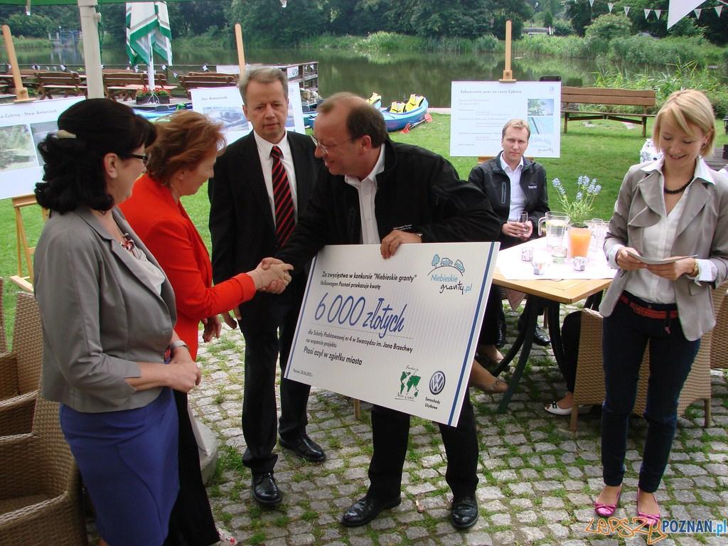 Wręczenie nagród w konkursie Niebieskie granty  Foto: lepszyPOZNAN.pl / ag