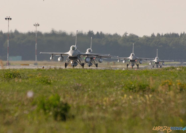 F-16 z bazy w Krzesinach  Foto: Piotr Łysakowski