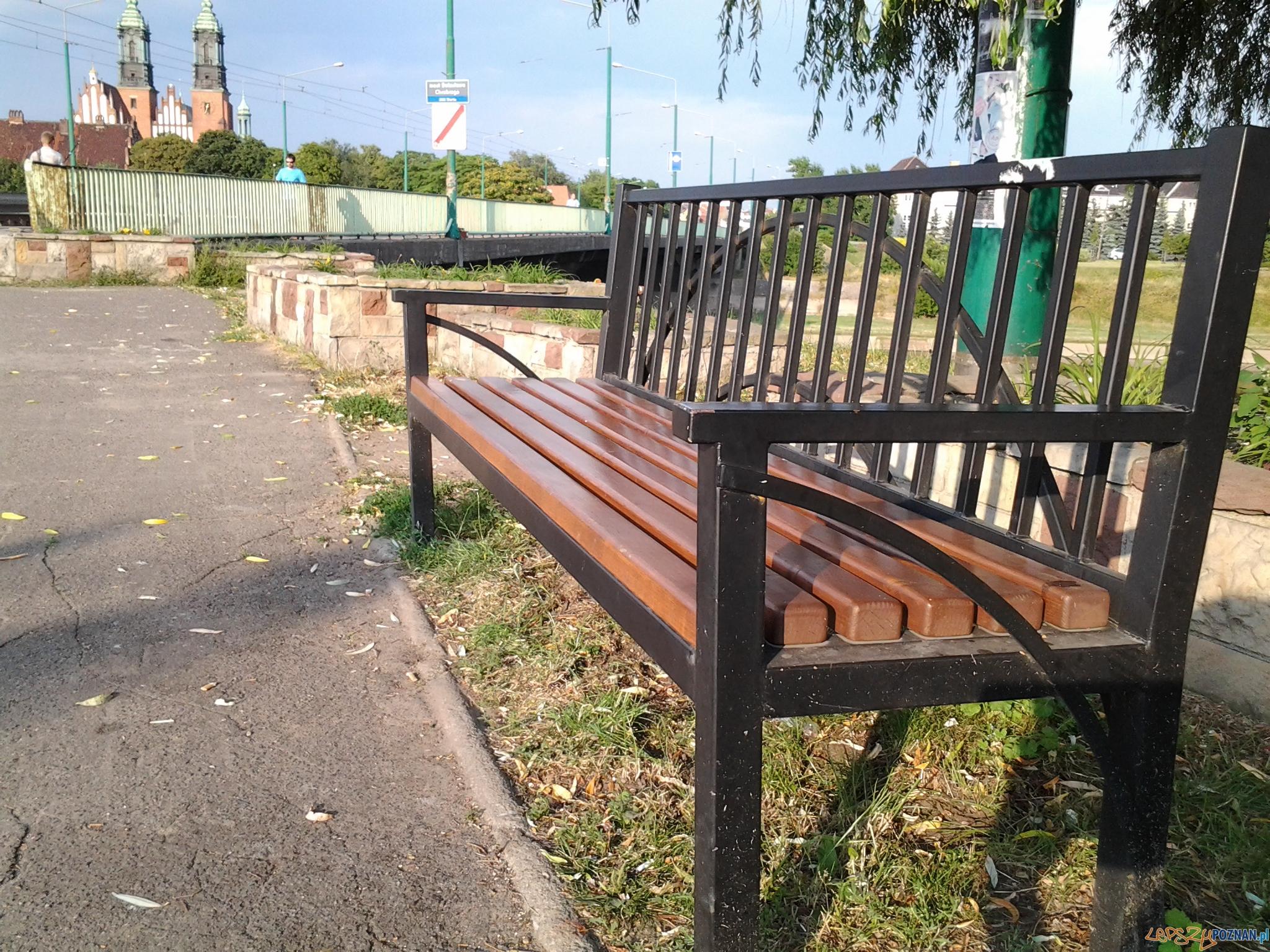 Ławeczka na Chwaliszewie  Foto: lepszyPOZNAN.pl / tab 10.1