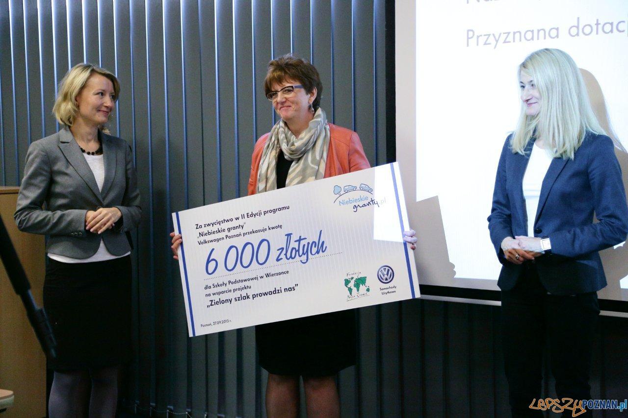 """Nagroda dla Szkoły Podstawowej w Wierzonce – projekt """"Zielony Szlak prowadzi nas""""  Foto:"""