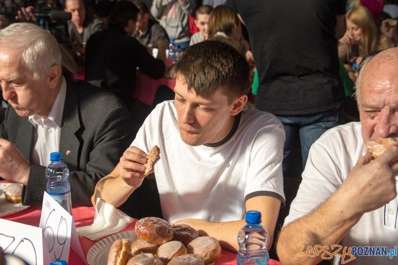 X  Mistrzostwa Poznania w jedzeniu pączków na czas  Foto: lepszyPOZNAN.pl / Piotr Rychter