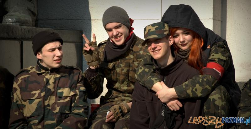 …zastanawiający jest jednak wiek młodych bojowników, którzy są na Majdanie, a nie w szkole.   Foto: lepszyPOZNAN.pl / Mathias Mezler