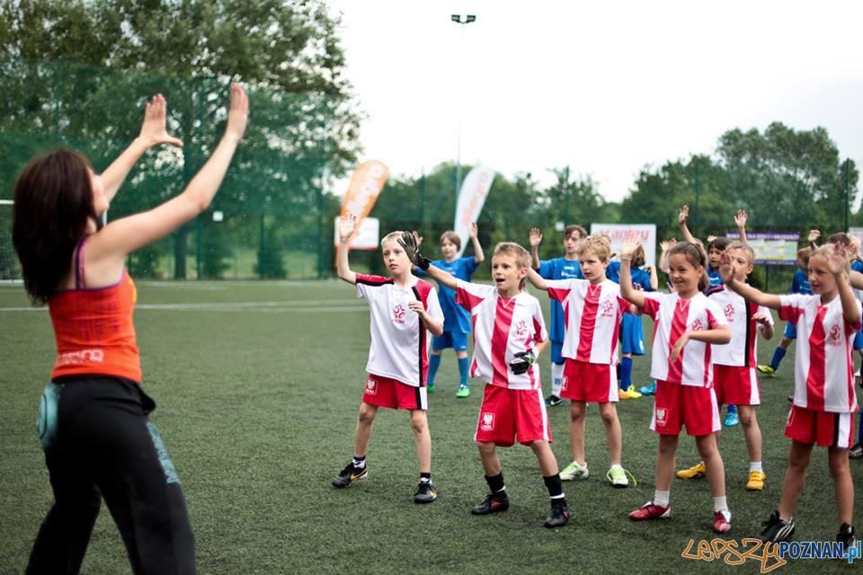Rozgrzewka - zumba  Foto: Akademia Kreatywnego Futbolu