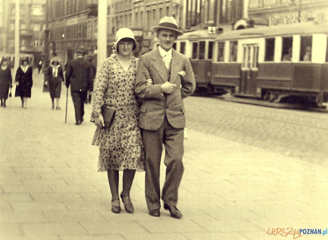 Poznańczycy - Plac Wolności, a w tle Aleje Marcinkowskiego - ok. 1938 roku  Foto: lepszyPOZNAN.pl / zbiory własne