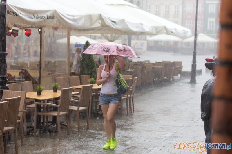 Burza na Starym Rynku  Foto: lepszyPOZNAN.pl / Piotr Rychter