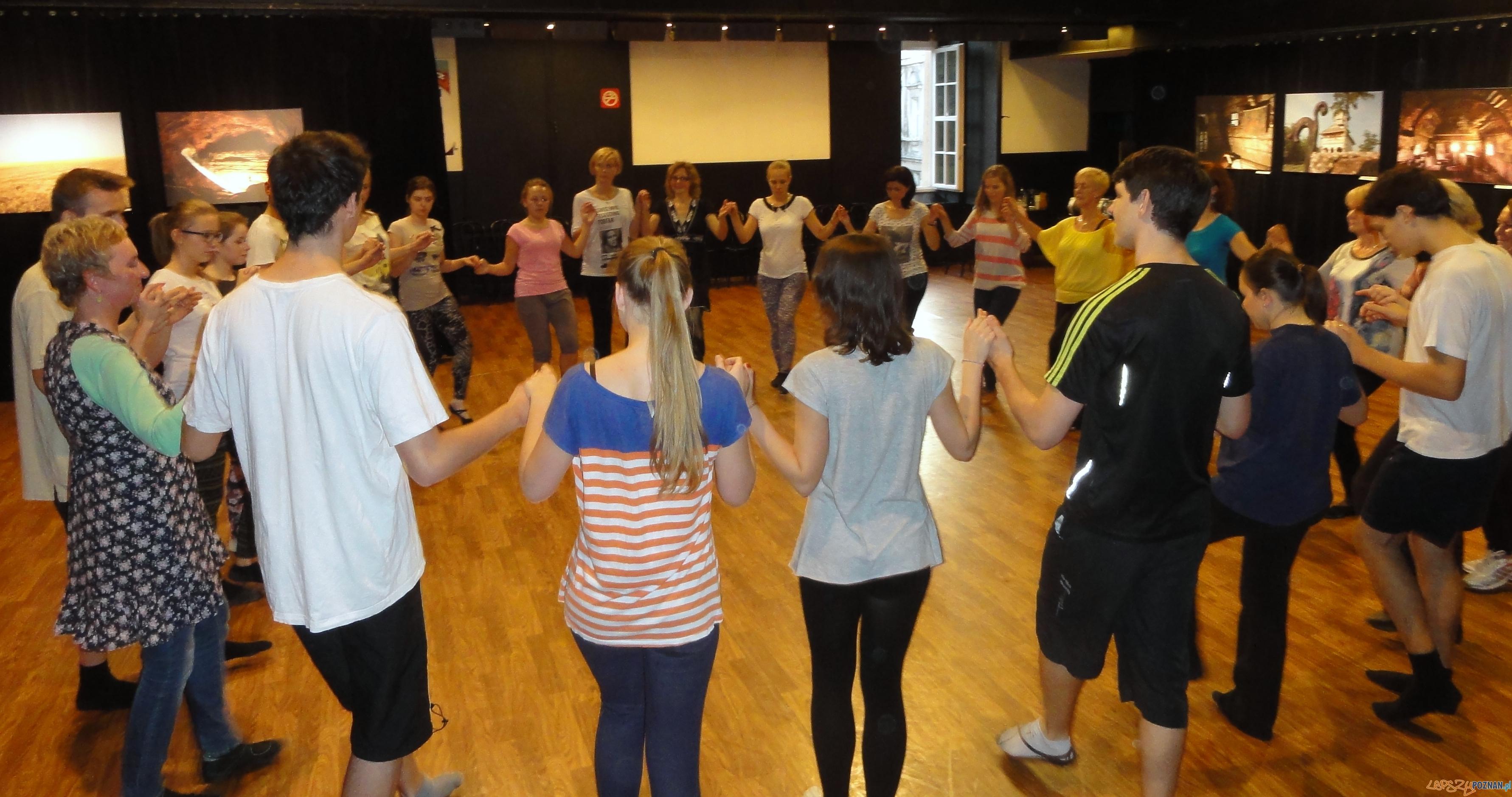 Tańce bałkańskie  Foto: tancewkregu.eu