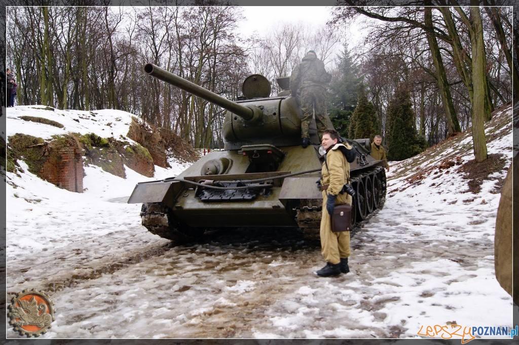 """T34/85 na Cytadeli  Foto: Stowarzyszenie Poznańska Grupa Rekonstrukcji Historycznej """"WARTA"""""""