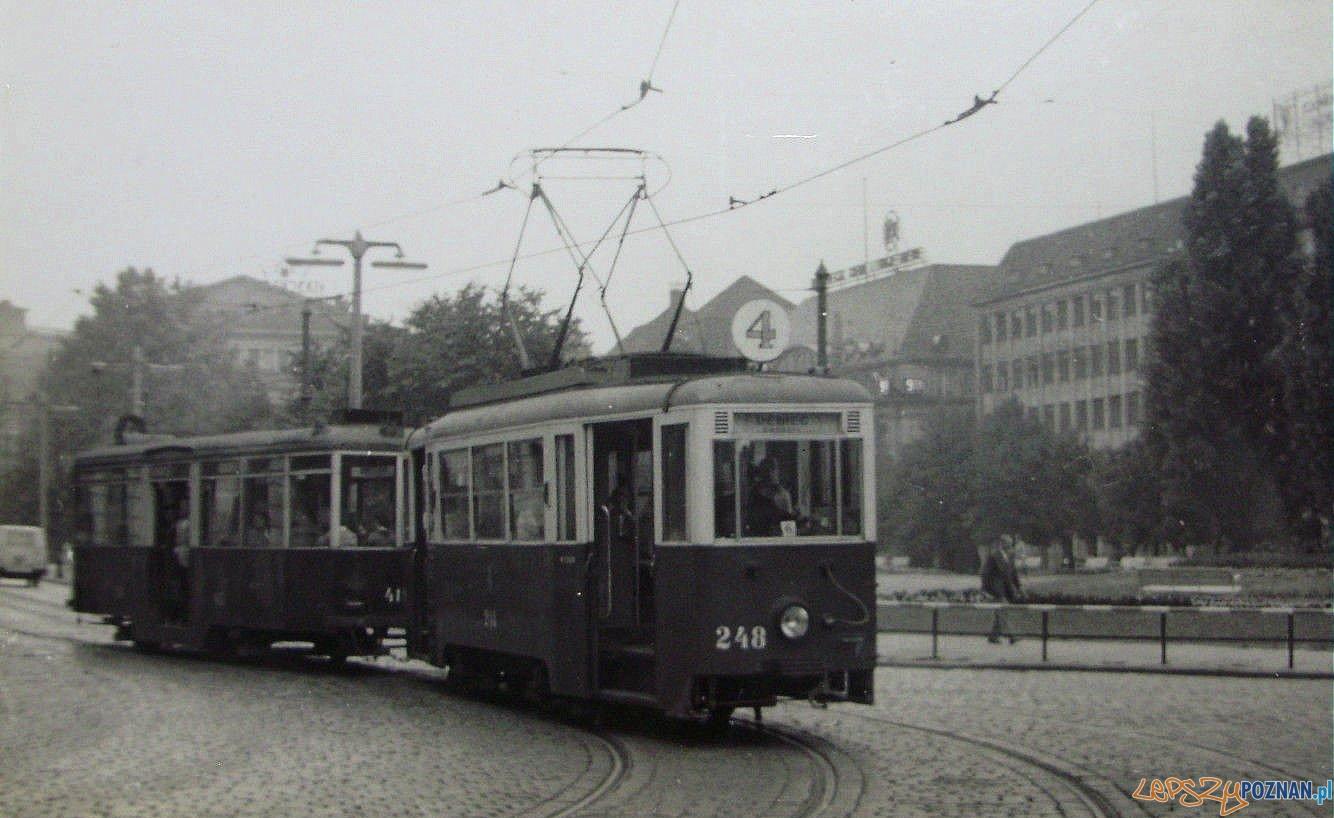 Tramwaj - pl Wolnosci 1960-61  Foto: internet