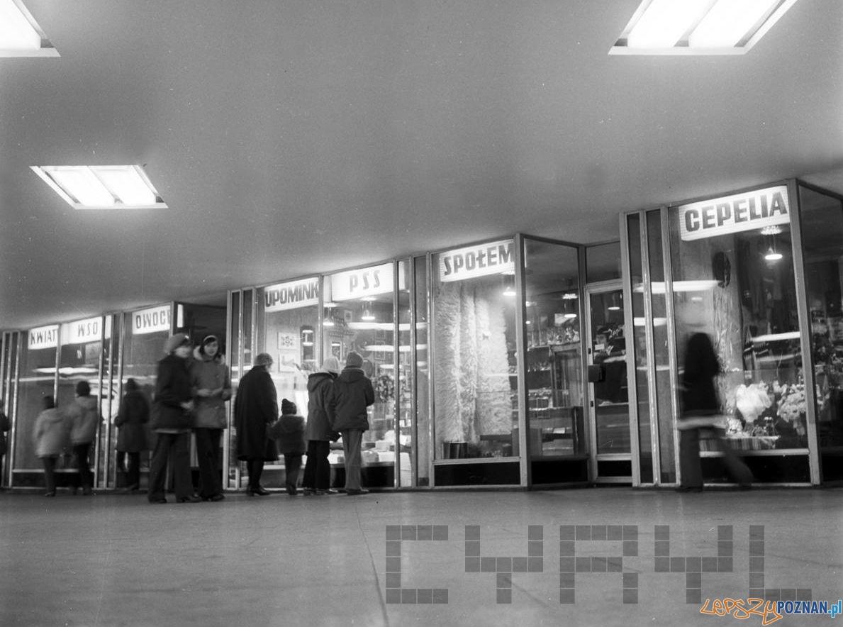 Sklepu - Rondo Kopernika - Kaponiera 1975  Foto: Stanisław Wiktor / Cyryl