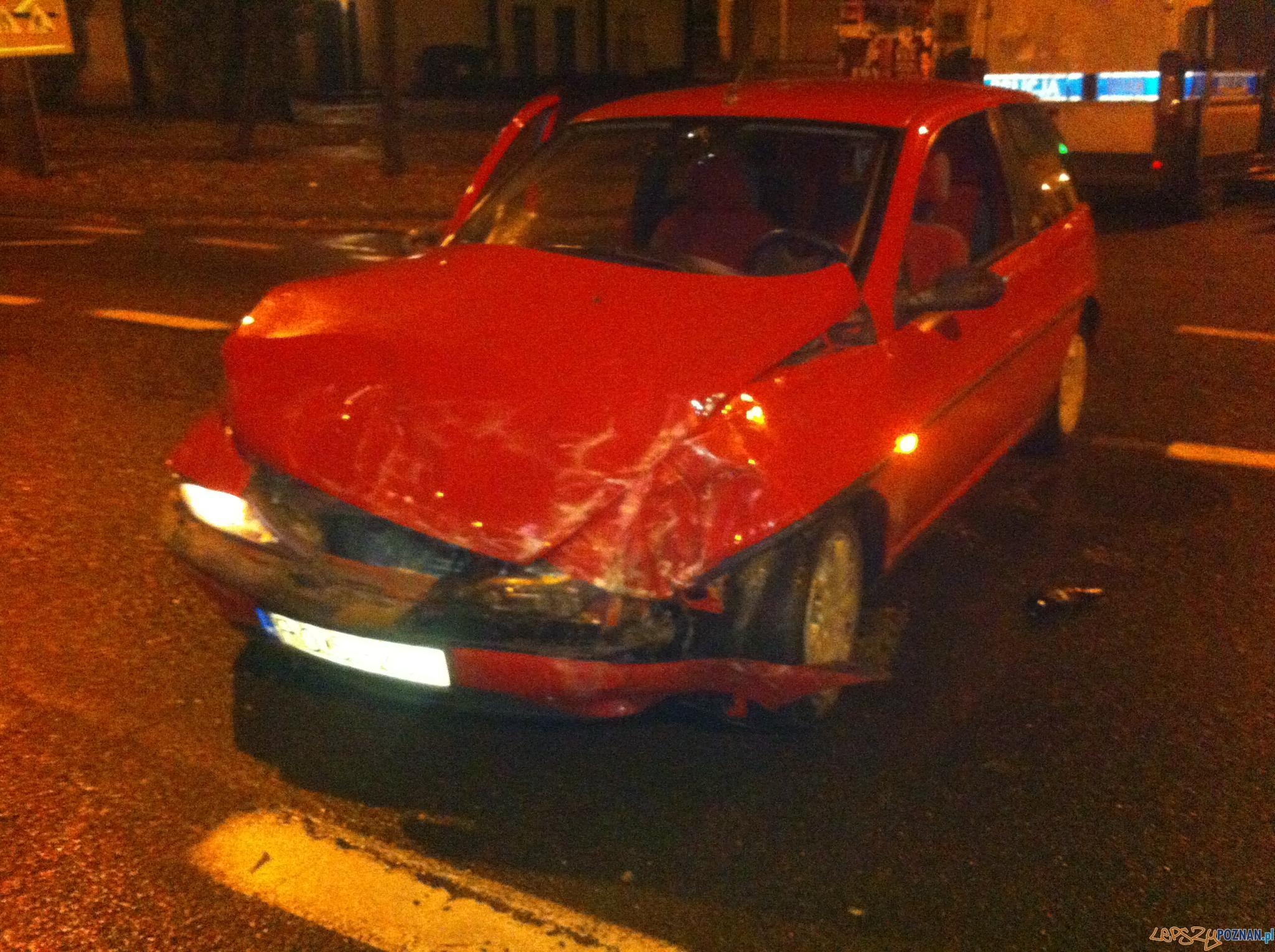 Wypadek na ul. Głównej  Foto: Pomoc Drogowa EuroHol