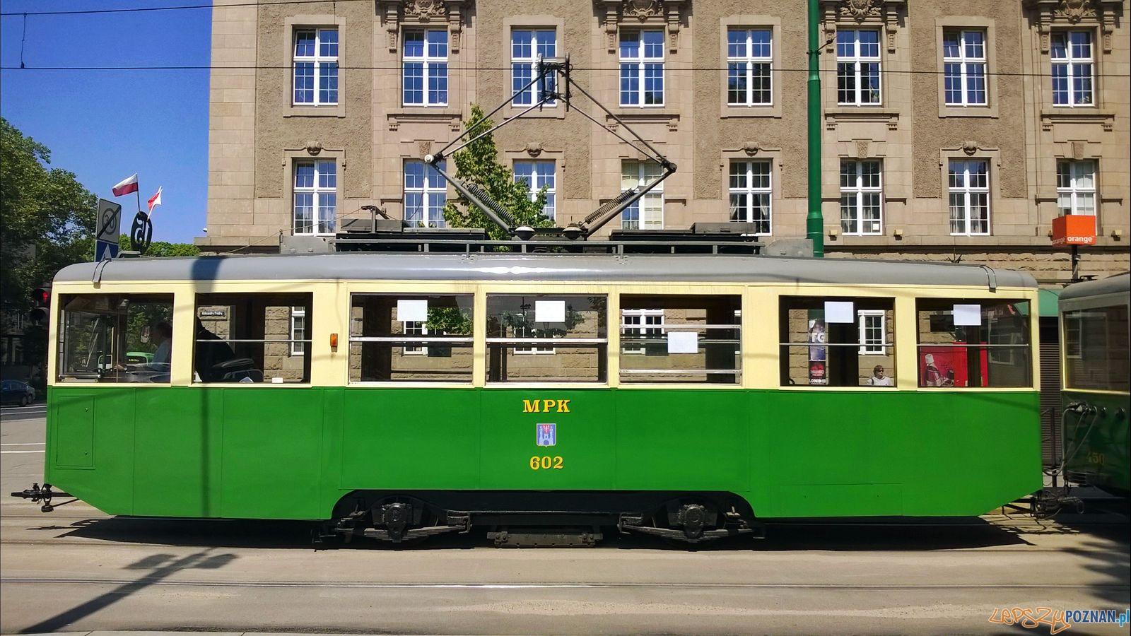 """Tramwaj typ """"N"""" na Dąbrowskiego - linia turystyczna 2015  Foto: Tomasz Dworek"""