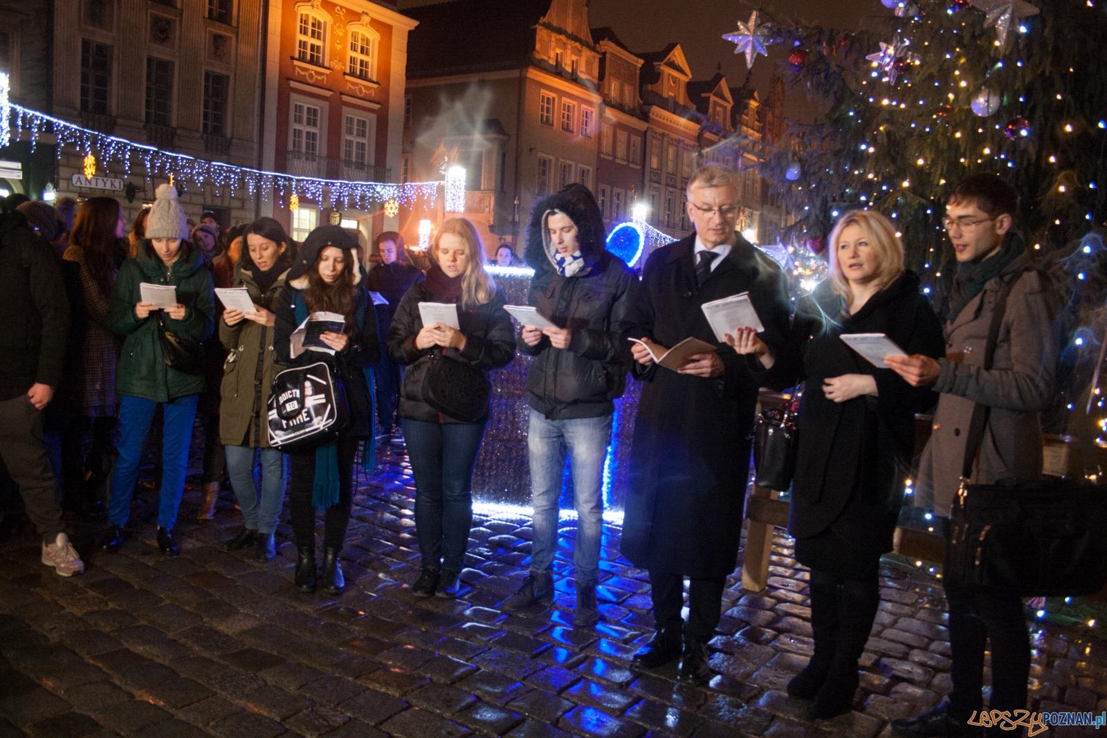 Jedna kolęda w wielu językach - Cicha Noc (17.12.2015)  Foto: © lepszyPOZNAN.pl / Karolina Kiraga