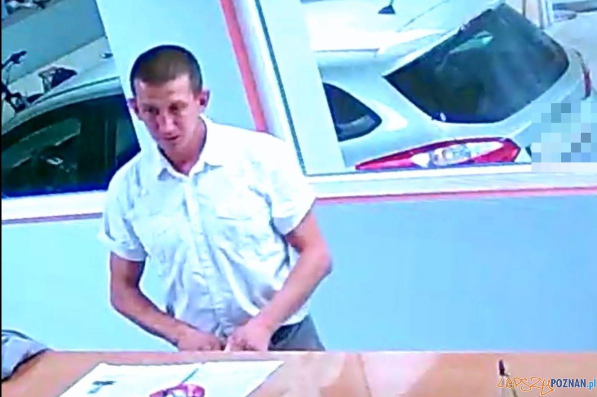 Pozyczył i nie oddał mercedesa  Foto: materiały Policji