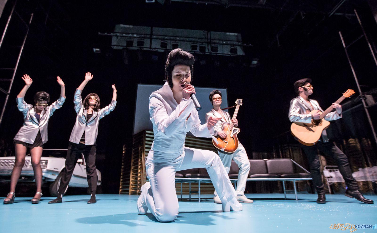 Elvis - zdjęcie z prób  Foto: Jakub Wiitchen
