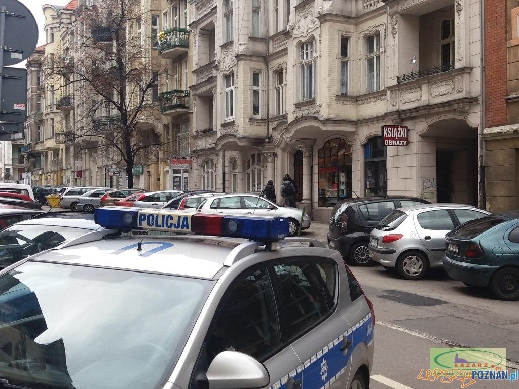 Mieszkańcy chcą likwidacji sklepu z dopalaczami  Foto: lazarz.pl / Janusz Ludwiczak
