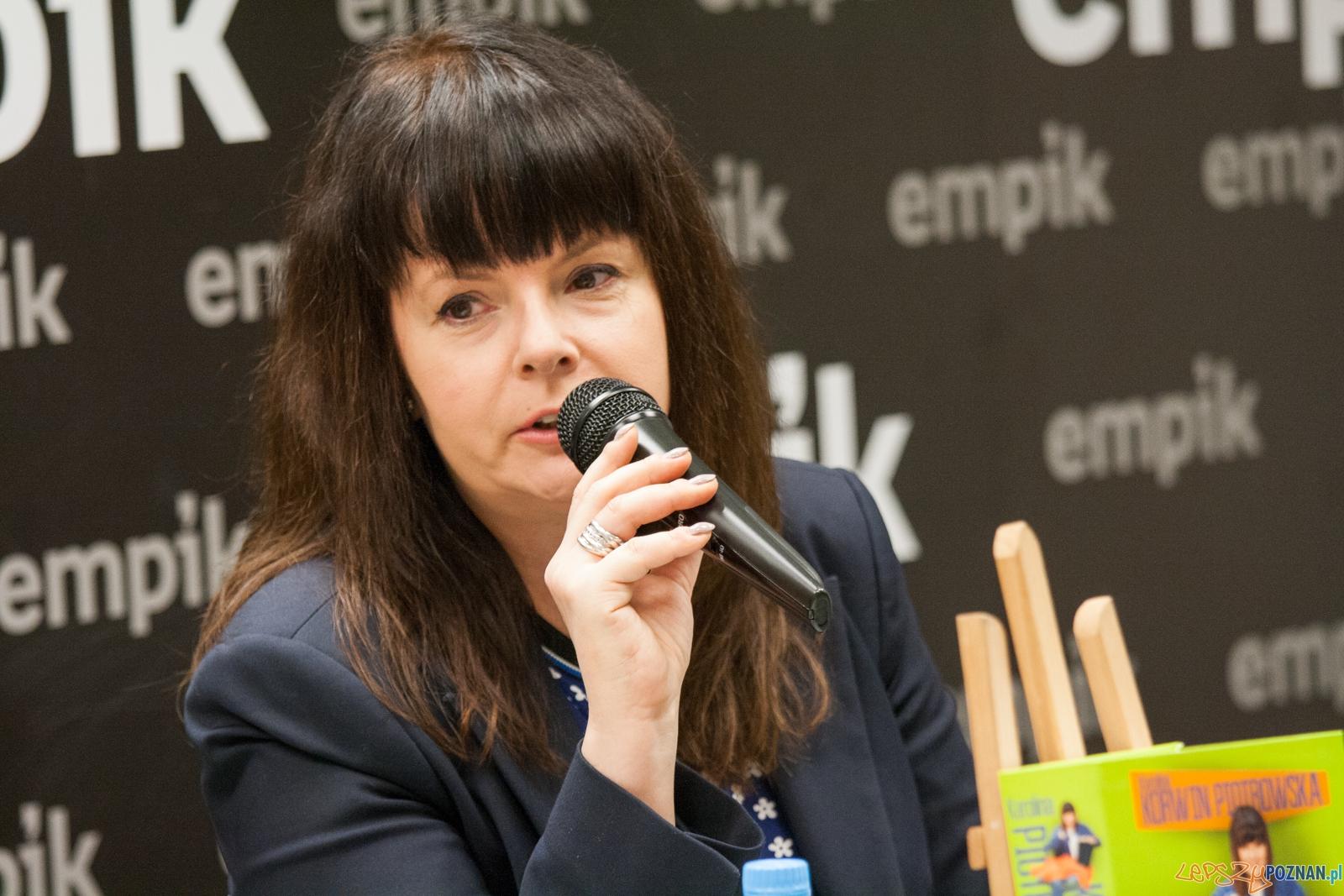 Karolina Korwin Piotrowska (16.04.2016) empik  Foto: © lepszyPOZNAN.pl / Karolina Kiraga