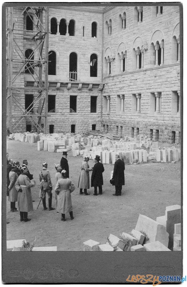 Budowa zamku w Pozananiu – wizyta cesarza