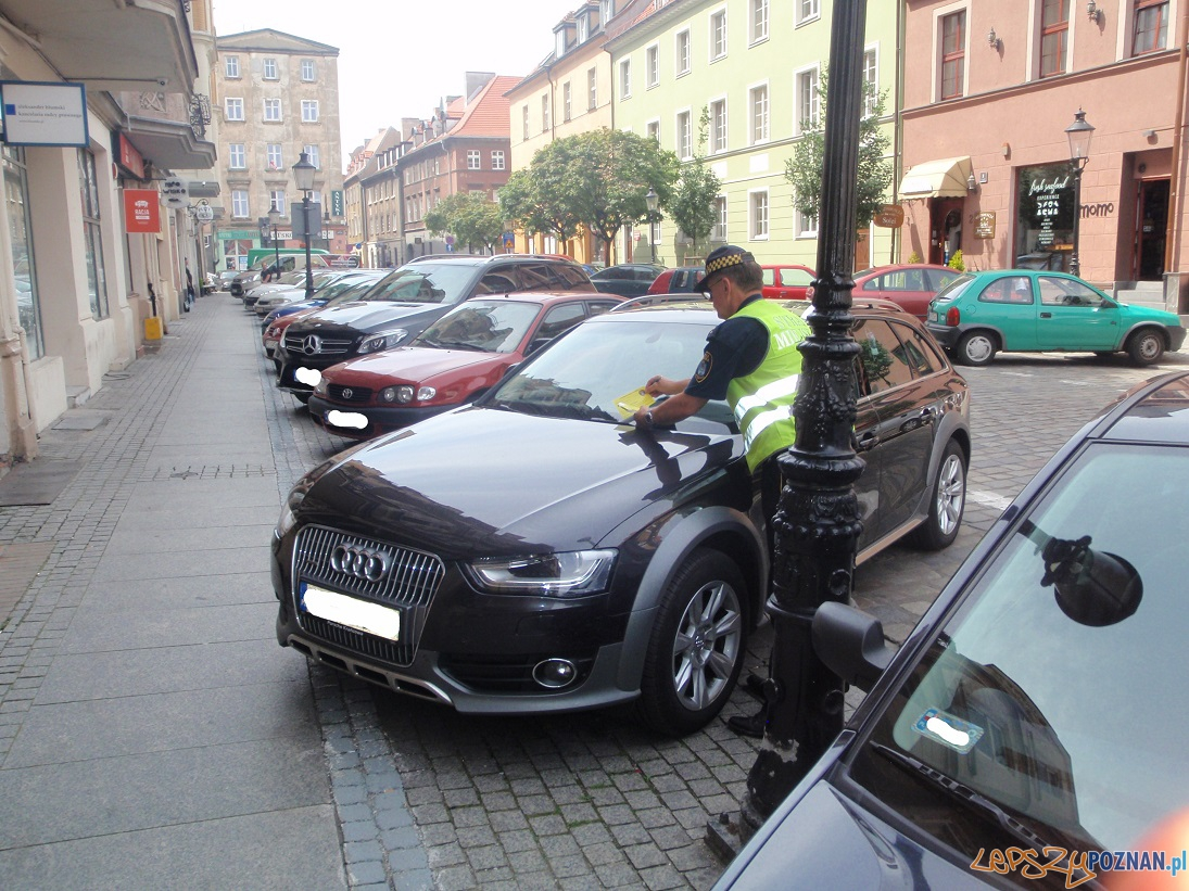 Zmiana sposobu parkowania na Szewskiej  Foto: UMP