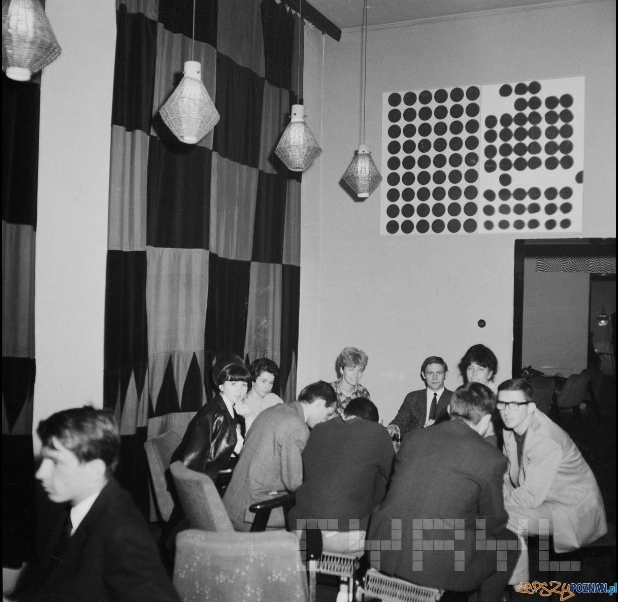 Wnetrze Klubu Od Nowa 1965 - 68  Foto: Jerzy Nowakowski / Cyryl