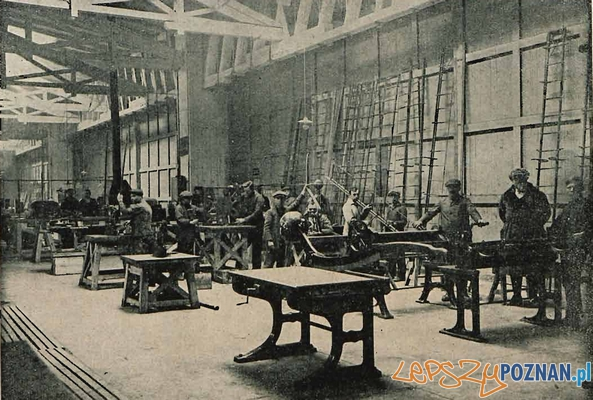 Wytwórnia Samolot -Dział blacharski. (Źródło Lotnik nr 4-5 - 1925)  Foto: za: samolotypolskie.pl