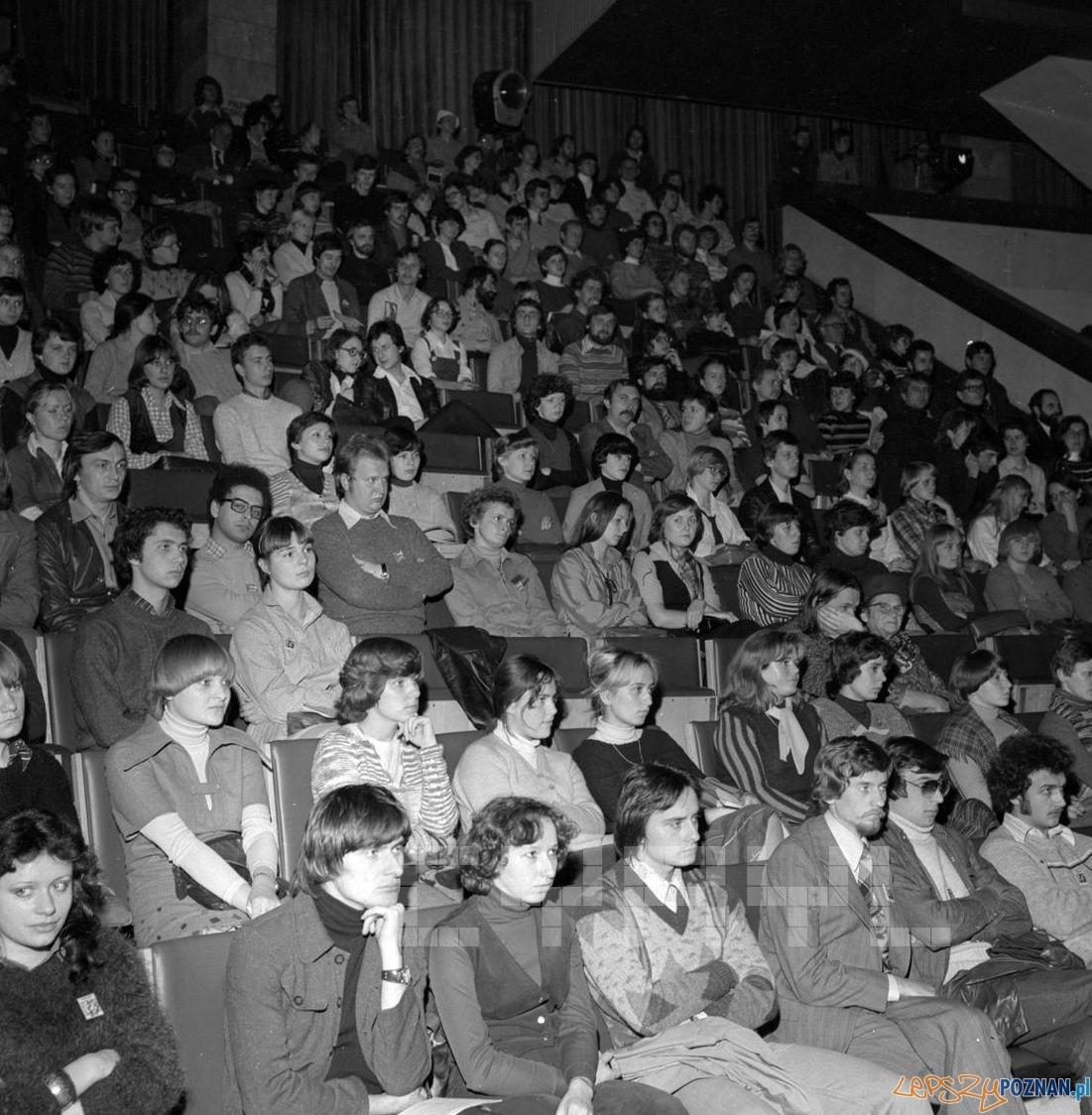 Publiczność podczas finału VI Tygodnia Kultury Studenckiej w Arenie 22.10.1978  Foto: Stanisław Wiktor / Cyryl