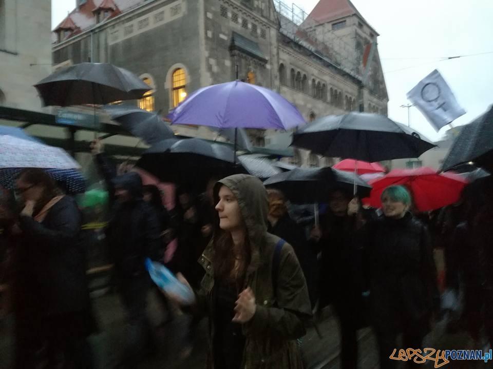 #czarnyprotest  Foto: Iwona R-Ch