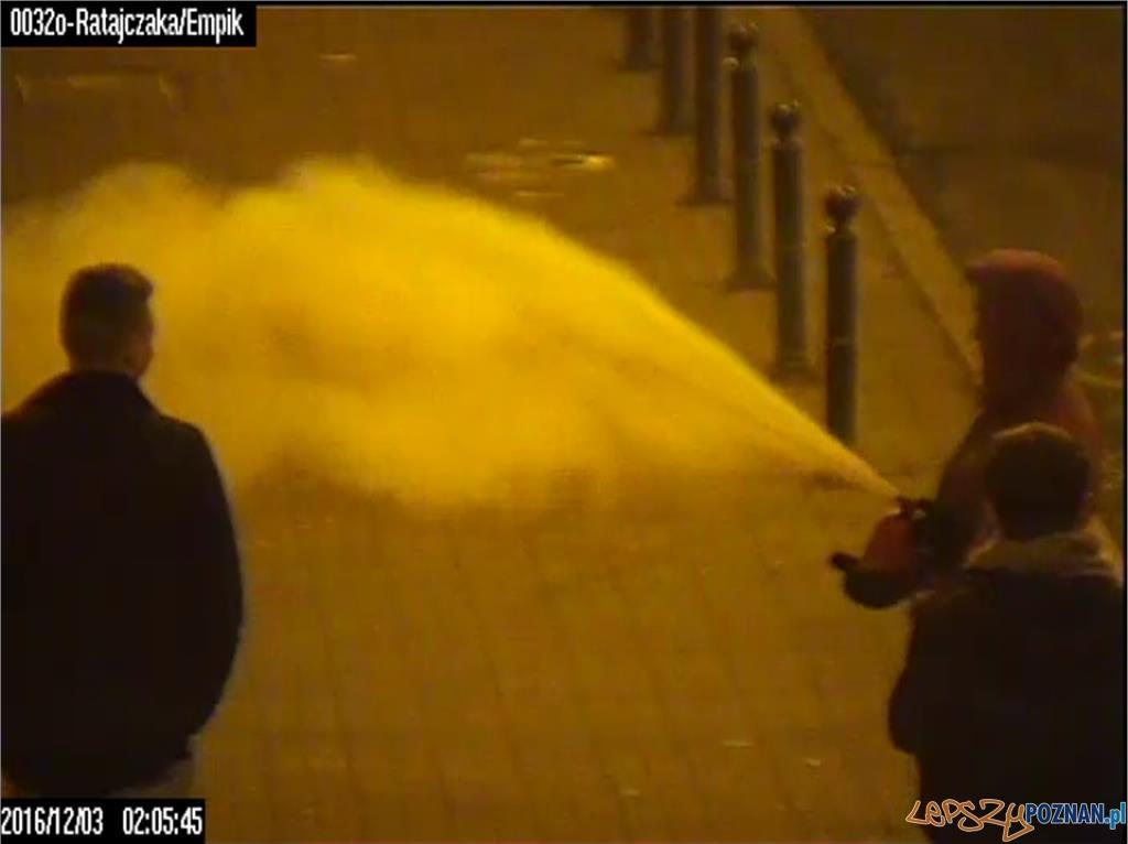 Kradzież gaśnicy  Foto: monitoring miejski
