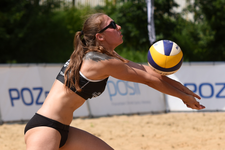 Warta Cup - kobieca siatkówka plażowa  Foto: POSiR