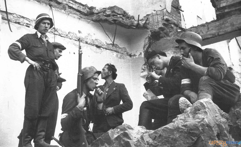 Powstanie Warszawskie 1944  Foto: Powstanie Warszawskie 1944