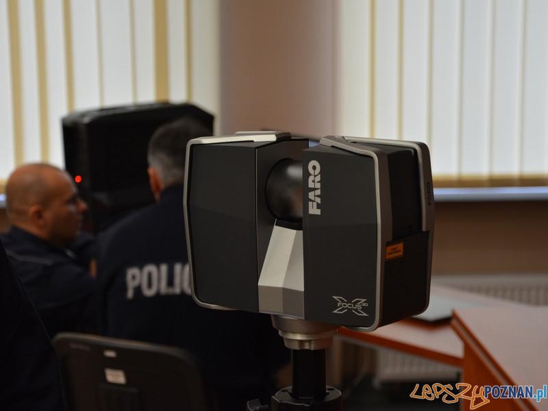 Policjanci z Komendy Miejskiej Policji w Poznaniu otrzymali jeden z najnowocześniejszych skanerów 3D  Foto: KMP w Poznaniu