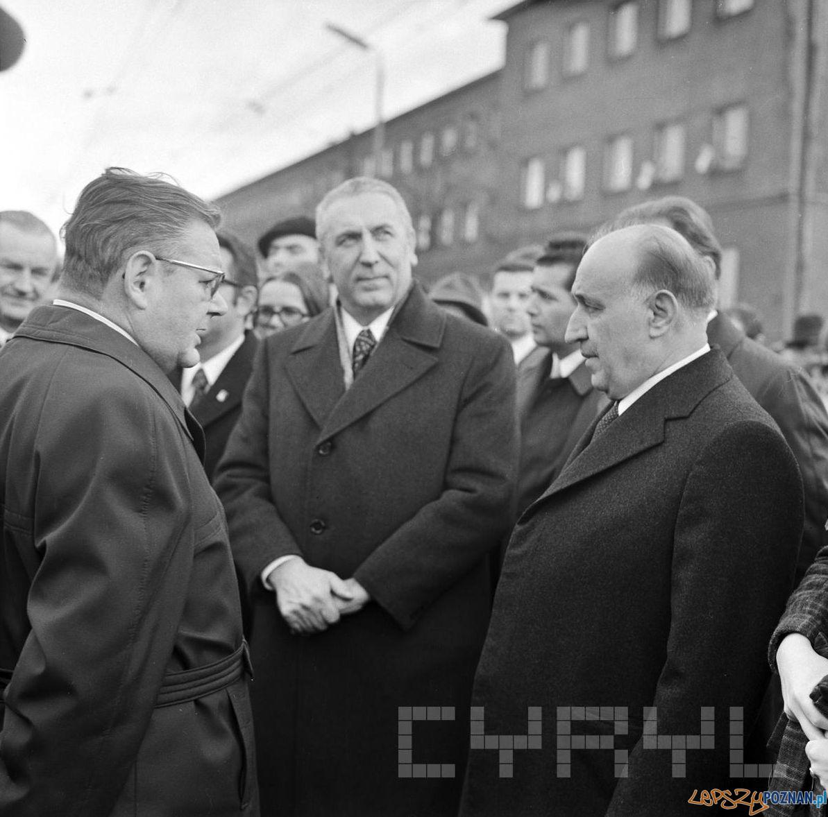 Edward Gierek i przywódca Bułgarii Ziwkow zwiedzają Zakłady Cegielskiego 14.11.1973  Foto: Stanisław Wiktor / Cyryl