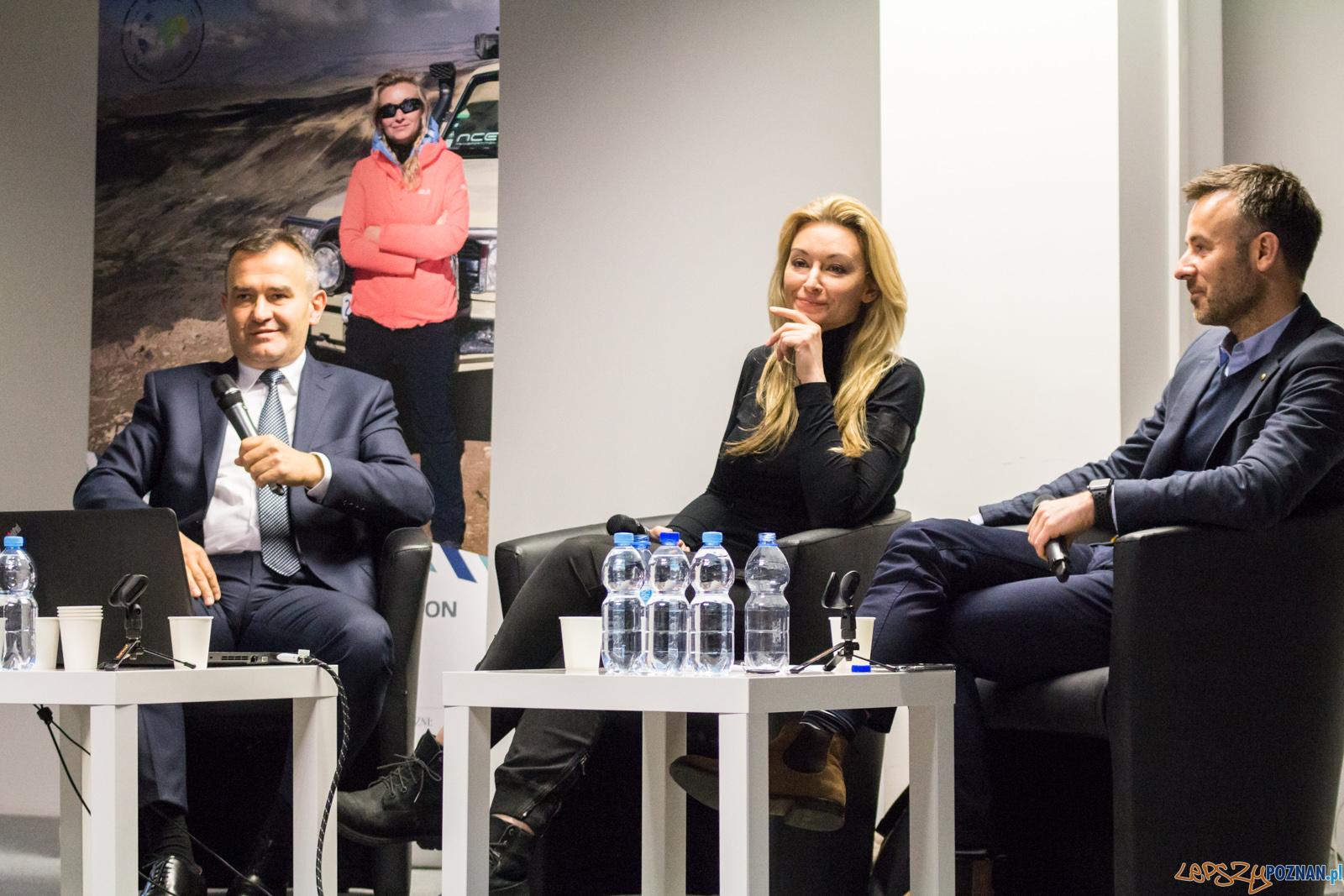 W poprzek szlaku. Spotkanie z Martyna Wojciechowska.  Foto: lepszyPOZNAN.pl / Ewelina Jaśkowiak