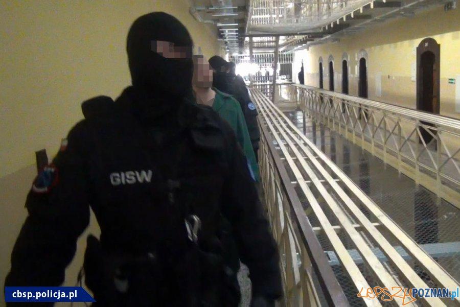 Narkotyki w ZK - akcja policji (5)  Foto: materiały Policji